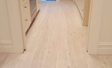 2-coats-of-whitewash-over-cypress-pine-with-matt-finish